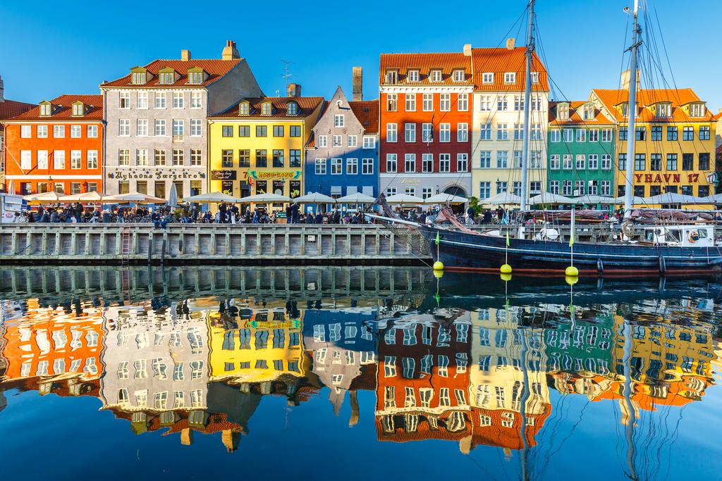 Каунас-Копенгаген-(10 часов)-Стокгольм-Рига